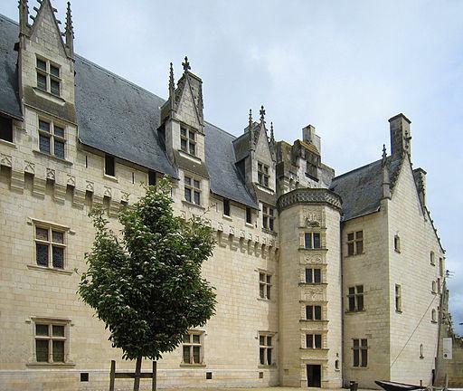 Montsoreau Courtyard