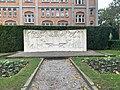 Monument à Gustave Delory et Roger Salengro (Lille) - octobre 2020.jpg