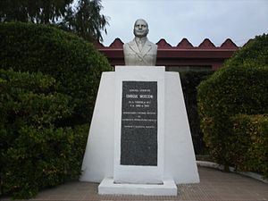 Enrique Mosconi - monument of Mosconi in Comodoro Rivadavia