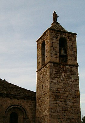 Clocher de l'église, centre de la commune.