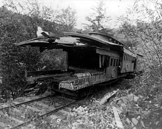 Telescoping (rail cars) - Image: Mud Run Disaster