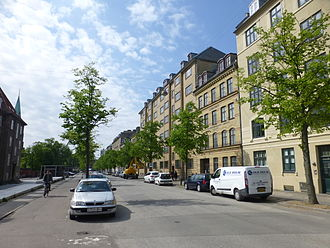 Nørre Allé - Nørre Allé with the Alderstrøst charitable housing complex to the right