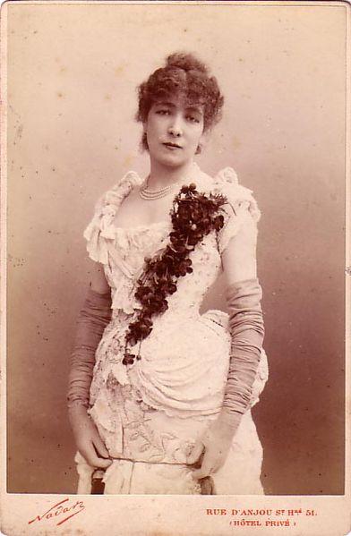 Arquivo: Nadar, Félix (1820-1910) - Sarah Bernhardt (1844-1923) jpg.