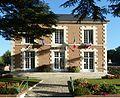 Neung-sur-Beuvron Eté2016 La mairie (1).jpg