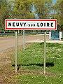 Neuvy-sur-Loire-FR-58-panneau d'agglomération-01.jpg