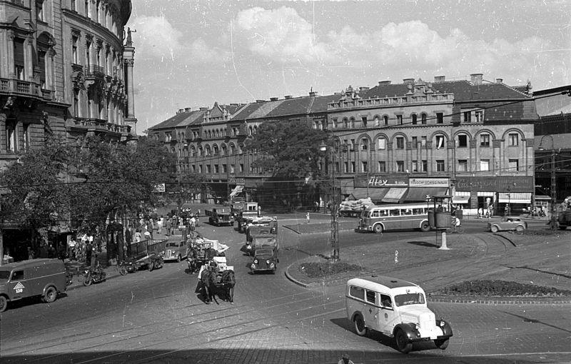 File:Nyugati (Marx) tér, szemben a Váci út és a Westend-ház. Fortepan 79804.jpg