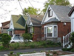 Oakridge, Toronto - Houses in Oakridge