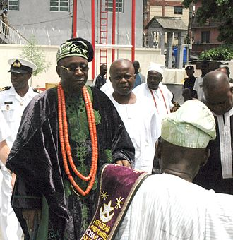 Nigerian traditional rulers - The Oba of Lagos with a delegation of Naval Officers in June 2006