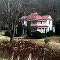 Old Farmhouse, Speedwell, NC (27226601737).jpg