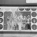 Opdracht Columbia International Film etalages C&A, Amsterdam, (bord), Funny Girl, Bestanddeelnr 922-1470.jpg