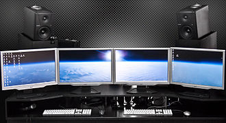 Multi-monitor - Two dual-monitor Digital Audio Workstation