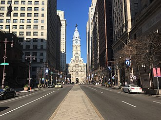 Pennsylvania Route 611 - PA 611 northbound on Broad Street in Center City Philadelphia, approaching Philadelphia City Hall
