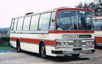 Duple Dominant - Image: PULHAMS COACHES Flickr secret coach park (4)