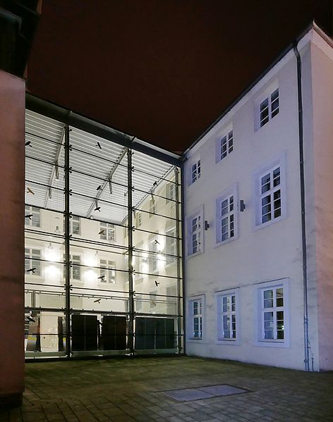 File:PalaisWalderdorffGebaeudeHGlinksFrechts.jpg