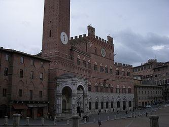 Palazzo Pubblico (Siena) facade 5.jpg