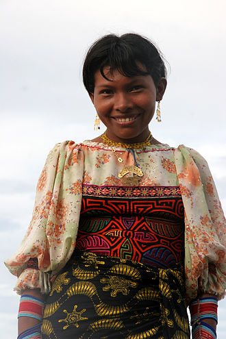 Guna people - A woman in traditional dress