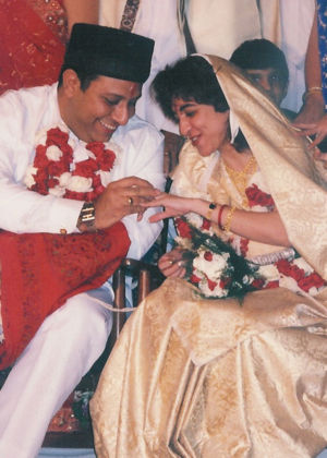 Zoroastrian wedding - Parsi wedding (exchange of rings)