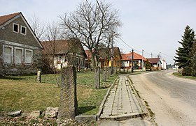 Pavlínov, road to Kamenice.jpg