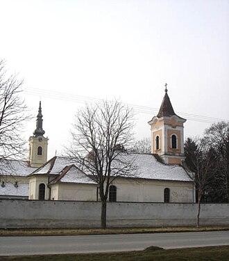 Perlez - Churches in Perlez: Orthodox and Catholic