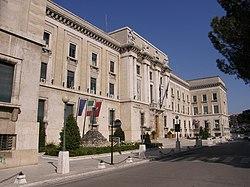 Pescara 2008 -Palazzo del Governo- by-RaBoe 001.jpg