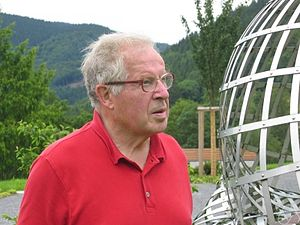 "Peter Swinnerton-Dyer - Peter Swinnerton-Dyer at the workshop ""Explicit methods in number theory"" in Oberwolfach, 2007"