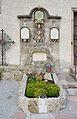 Pfarrkirche hl. Johannes d.T. Golling - priests' grave 01.jpg