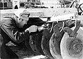 PikiWiki Israel 420 Kibutz Gan-Shmuel bs7- 10 גן-שמואל - מכונות חקלאיות 1960-70.jpg