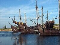 Pinta, Niña y Santa María en el Muelle de las Carabelas.jpg