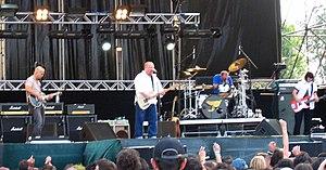 Pixies 2004.jpg