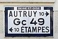 Plaque Michelin Gc 49 Autruy-Étampes.jpg