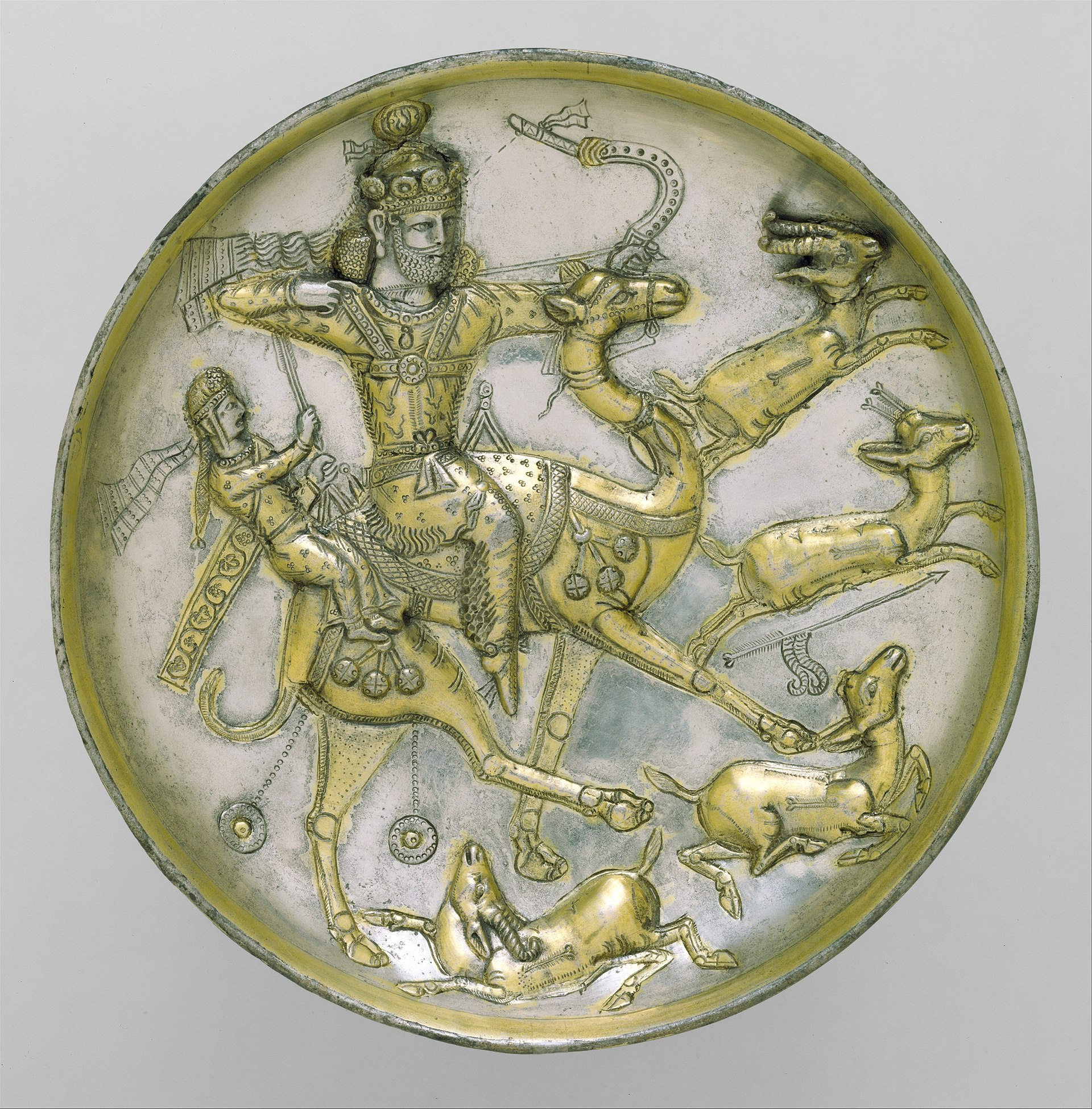 Plate with a hunting scene from the tale of Bahram Gur and Azadeh MET DT1634jpg