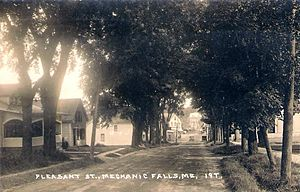 Mechanic Falls, Maine - Image: Pleasant Street, Mechanic Falls, ME 1922 postcard