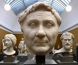 Ny Carlsberg Glyptotek - Hall of Roman figures. In the front, Pompey