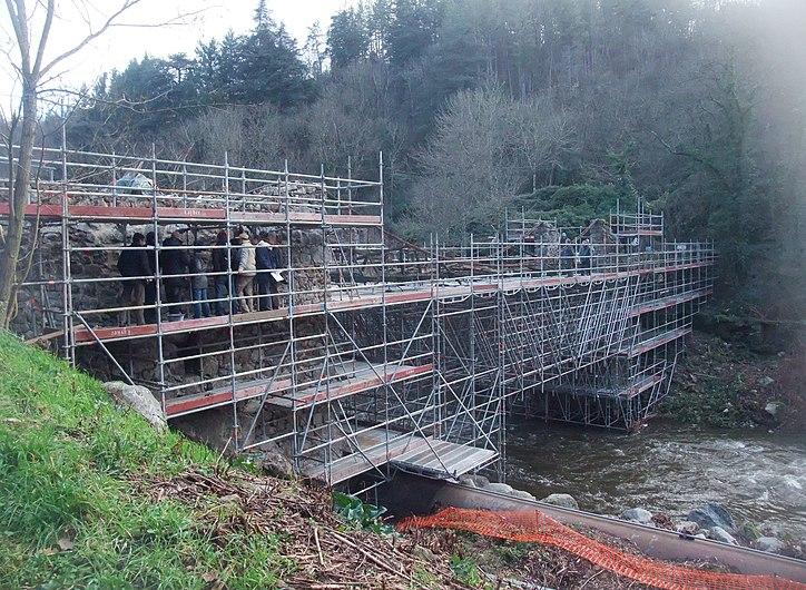 Pont de Moulin sur Cance échafaudage.jpg