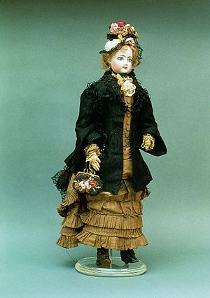 Can Llopis Romanticism Museum - Porcelain doll in period dress. France, 1877
