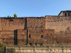 Porta Praetoria 29 09 2019.jpg