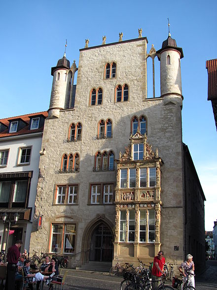 Tempelhaus in the historic Market Place PrefeituraHi 049.jpg