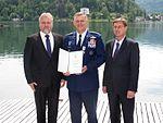 Premier dr. Cerar in general Gorenc za ohranitev enotnosti severnoatlantskega zavezništva 4.JPG