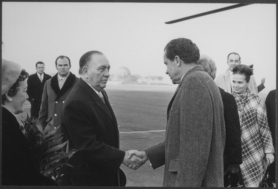 President Nixon shakes hands with Mayor Richard Daley on his arrival in Chicago, Illinois - NARA - 194669