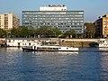 Prestige (hajó, 1977) és a Nemzeti Vagyonkezelő Zrt. székháza, 2018 Margit-sziget.jpg