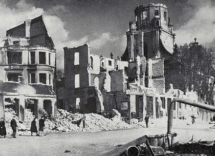 Konigsberg after the RAF bombing in 1944 Probsteikirche.jpg