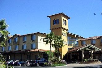 Pruneyard Shopping Center - Image: Prune Yard Inn
