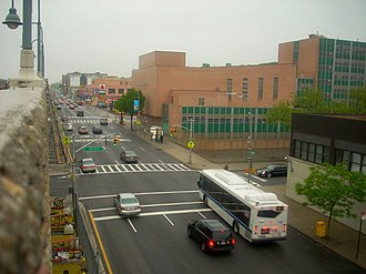 33rd Street–Rawson Street (IRT Flushing Line) - Image: QB View From 33rd St 7