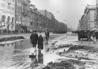 Siege of Leningrad - Image: RIAN archive 324 In besieged Leningrad