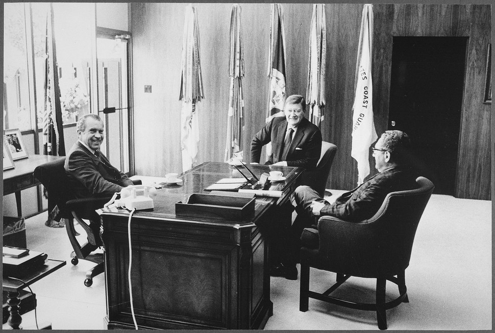 Richard M. Nixon and Henry Kissinger meeting with Marion %22John%22 Wayne - NARA - 194768