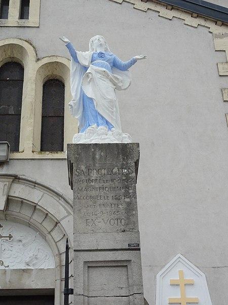 Richardménil (M-et-M) statue devant l'église