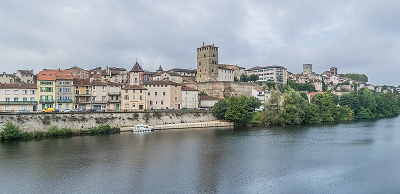 File:Right bank of Lot River in Cahors 02.jpg
