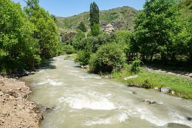 River Tana flowing by Sioni of Ateni.jpg