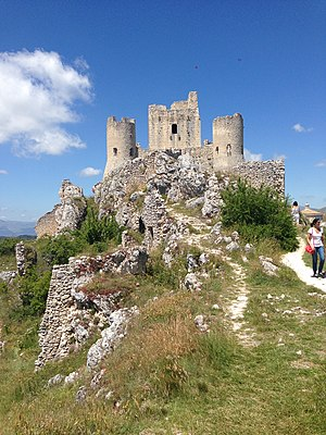 The Name of the Rose (film) - Rocca Calascio in Abruzzo: a shooting location of the film