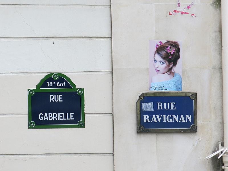 Fichier:Rue Gabrielle and Rue Ravignan street sign, Paris May 2014.jpg
